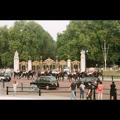.  . . #UK #london #film #filmphotography #daily #europe #travel #영국 #런던 #필름사진 #필름카메라 #필름 #유럽 #일상 by happy_soosoo