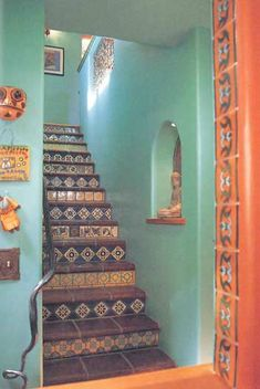 These lovely hand-painted Mexican Talavera tiles demonstrate Moorish, Spanish, and Italian influences with bright, tin-glazed colors and bold geometric patterns. Description from free-home-decorating-ideas.com. I searched for this on bing.com/images