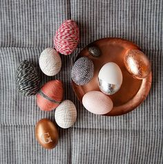 27 Sparkling Gold And Copper Easter Décor Ideas | DigsDigs