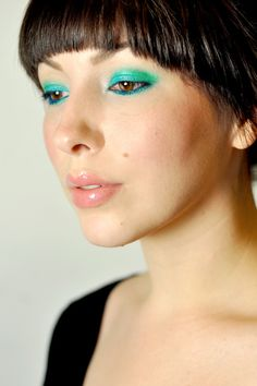 I have all these colors, but hardly ever use them.  I think I might try this look with my new scarf and a white t shirt!!