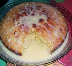 Bolo de Laranja com Coco ingredientes 1 colher (sopa) de fermento em pó 3 xícaras (chá) de farinha de trigo 1 xícara (chá) de coco fresco ralado 1 colher (sopa) de raspa da casca da laranja 2 xícaras (chá) de açúcar 1 xícara (chá) de manteiga 4 gemas 1 caixa de creme de leite 2…