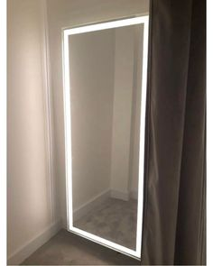 Bedroom Green, Small Room Bedroom, Room Decor Bedroom, Diy Room Decor, Bedroom Colors, Mirror Decor Living Room, Living Room Lighting Design, Diy Bedroom Decor For Girls, Teen Room Decor