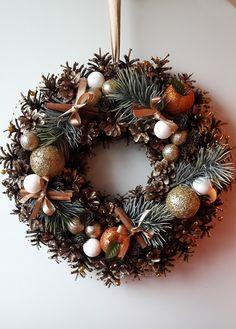 świąteczny wianek, Xmas Wreaths, Christmas Decorations, Holiday Decor, Christmas Preparation, Wonderful Time, Christmas Time, Advent, Gift Wrapping, Crafts