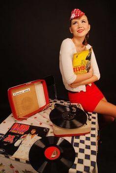 Another vinyl admirer Vinyl Record Art, Vinyl Cd, Vinyl Music, Vintage Vinyl Records, Kitsch, Old School Music, Music Illustration, Vinyl Junkies, Record Players