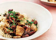 Brown Rice Pasta with Tuna, Olives, Fried Capers and Parsley