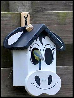 Why Build a Bird Aviary? Bird House Plans, Bird House Kits, Bird Houses Painted, Bird Houses Diy, Bird House Feeder, Bird Feeders, Wood Crafts, Diy And Crafts, Bird Tables