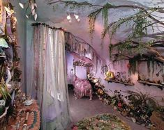 Princess Decorating For a Fairytale Bedroom - Laundry room - Dekoration Fairytale Bedroom, Fairy Bedroom, Bedroom Decor, Enchanted Forest Bedroom, Whimsical Bedroom, Fairytale Home Decor, Bedroom Furniture, Romantic Bedroom Design, Magical Bedroom