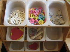 www.jufjanneke.nl | Het letterwinkeltje Letters For Kids, Teaching Schools, Spelling, Alphabet, Preschool, Classroom, Education, Kindergarten, Preschools