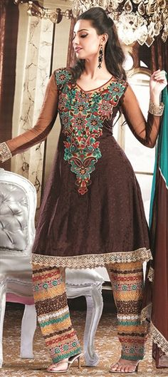 89124: Embroidered broad pants in anarkali.  The pants really need to be either bigger or tighter because they look quite silly in between but a very interesting anarkali