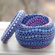 """Joyería hecha a mano.  Maestros - Feria artesanal """"fascinante patrones de"""" pulsera de la lavanda - depósitos.  Hecho a mano."""