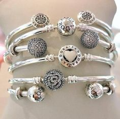 Pandora Wish List Pandora Bangle Bracelet, Pandora Rings, Pandora Jewelry, Charm Jewelry, Bling Bling, Bracelet Designs, Constellation Earrings, Musician Gifts, Pandora Charms