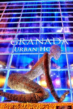 """The Riande Granada Urban Hotel is known for its welcoming atmosphere, excellent attention and its style inspired by art and modernism. Located in """"El Cangrejo"""", a privileged area of Panama, within walking distance of shops, restaurants, public transportation and many attractions, a space where the best entertainment comes alive every day.   Visit their website or give them a call at +507 2044444. Don't let them tell you about it, experience it for yourself!"""