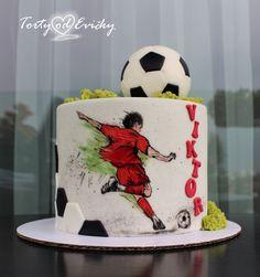 Football cake by Cakes by Evička Cake Football, Football Themed Cakes, Soccer Cake, Pastel Del Barcelona, Barcelona Cake, Football Birthday Cake, Birthday Cakes For Men, Sports Birthday Cakes, Liverpool Cake