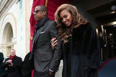 Beyonce Knowles Photos Photos - Recording artists Jay-Z and Beyonce arrive at the presidential inauguration on the West Front of the U.S. Capitol January 21, 2013 in Washington, DC.   Barack Obama was re-elected for a second term as President of the United States. - Barack Obama Sworn In As U.S. President For A Second Term