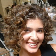 Naturally Curly Hair.......Cute @Katie Hrubec Schmeltzer Schmeltzer Schmeltzer Razunas