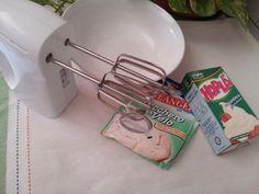 La panna montata è una preparazione che va utilizzata n tantissime ricette dolci: viene utilizzata per farcire, per decorare,per arricchire le creme