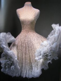 This dress by Juozas Statkevicius is more than fabulous, it is a dream work of art!!!!!!!!!!!!!