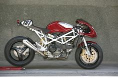 Radical Ducati's latest: the ST2-based Morcuera Racer. From tourer to trackday weapon!