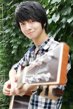 How have I just now learned of this guy? Sungha Jung, superstar guitarist! Not to mention, his birthday was YESTERDAY and he just turned 17!