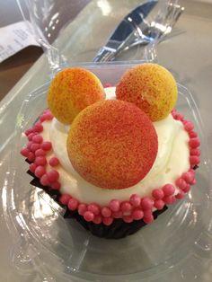 Hidden Mickey Cupcake (Art of Animation)
