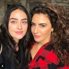 Jan 1, 2019 at 6:01pm UTC Turkish Women Beautiful, Turkish Beauty, Beautiful People, Famous Warriors, Cute Girl Hd Wallpaper, Bae, R&b Soul Music, Esra Bilgic, Casting Pics