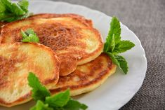 racuszki z jabłkami Kefir, Pancakes, Breakfast, Food, Morning Coffee, Essen, Pancake, Meals, Yemek