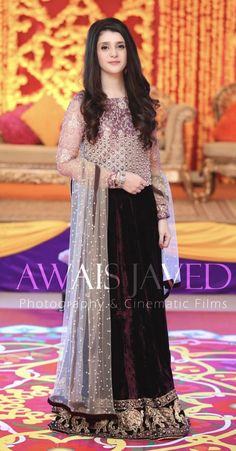 Ideas wedding indian dress for girls party wear Shadi Dresses, Pakistani Formal Dresses, Pakistani Fashion Party Wear, Pakistani Wedding Outfits, Party Wear Lehenga, Pakistani Dress Design, Indian Fashion, Indian Dresses For Girls, Beautiful Dresses For Women