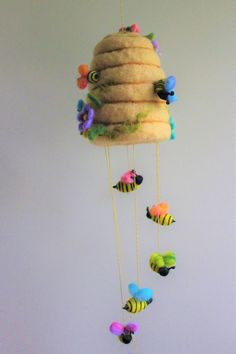 Felted Bee Hive Mobile, Needle felted, Honey Bees with Wildflowers, Rainbow Colors, Nursery Decoration - Pin Coffee Felt Crafts Diy, Bee Crafts, Felt Mobile, Needle Felting Tutorials, Felt Fairy, Felt Decorations, Felt Christmas Ornaments, Felt Patterns, Needle Felted Animals