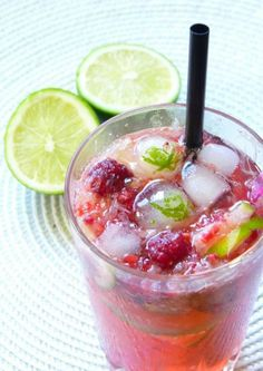 Raspberry Mojito - -You can find Sangria and more on our website.Raspberry Mojito - -You can find Sangria and more. Summer Cocktails, Cocktail Drinks, Fun Drinks, Cocktail Recipes, Popular Cocktails, Beverages, Dieta Atkins, Raspberry Mojito, Virgin Mojito