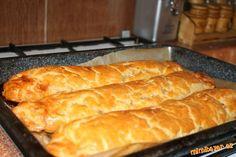 Hot Dog Buns, Hot Dogs, Cornbread, Ethnic Recipes, Food, Millet Bread, Essen, Meals, Yemek