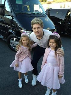 Sophie Grace and Rosie with The Adorable Niall!!!