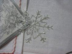 fermatouagliolo cristallo di neve fatto con la colla a caldo