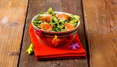 Una pasta semplice e nutriente di Chiara Maci a base di Salmone Norvegese fresco, ideale per far mangiare ai bambini tanti buoni spinaci o per una semplice cena tra amici.