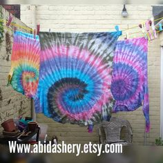 Updates from AbiDashery on Etsy Festival Trends, Festival Fashion, Hippie Look, Hippie Style, Hippie Lifestyle, Tie Dye Outfits, Tie Dye Patterns, Navy Pink, Pink Color
