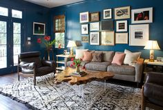 What Goes With Leather Furniture? Houzz helps you with this design dilemma with great tips from the pros.
