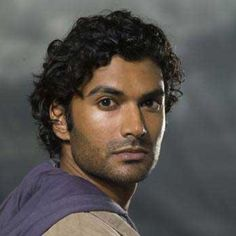 Mohinder Suresh - From Heroes - http://www.sendhilramamurthy.net/gallery/index.php?/category/14 - Sendhil Ramamurthy