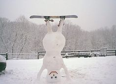 13 Creative And Creepy Snowmen Made By People With Way Too Much Time - brainjet.com