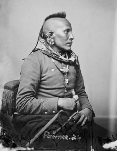 native-mohawk The Mohawk was a traditional hairstyle of the Mohawk nation, a group that belonged to the Iroquois confederacy. The men had a tradition of shaving one side of their scalp and brightly painting the exposed area.