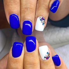 """49 Likes, 5 Comments - Katie Dutra - Nail Artist (@nailsbykatiedutra) on Instagram: """"Electric blue & white with some Swarovski crystals  Love this blue!"""""""