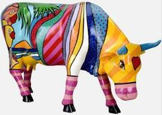 Cow Parade Boca Bovine Artist Valter Morals :-) Love her! Cow Parade, Animal Statues, Animal Sculptures, Cow Creamer, Madhubani Art, Cute Cows, Cow Art, Ceramic Animals, Classroom Crafts