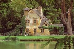 Le Hameau and Le Moulin were built in 1783 for Louis XVI's queen, Marie-Antoinette, to indulge the fashionable Rousseau inspired fantasy of returning to the natural life.
