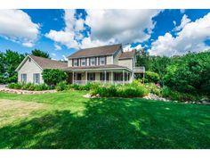 13 best homes for sale images hobby farms small farm houses acre rh pinterest com