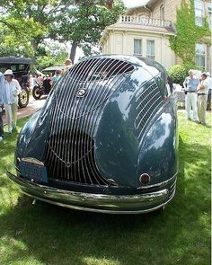 The mind-blowing deco lines of Stout Scarab automobile. Weird Cars, Cool Cars, Vintage Cars, Antique Cars, Art Deco Car, Automobile, Us Cars, Jet Ski, Dieselpunk