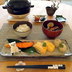 忙しい朝の始まりは、 日本人のまごころを思い返す和朝食で迎えたい。 @atsu0724さんの作る朝ごはんは、 どれも料亭クオリティの品ばかりで朝からお腹を空かせます。 美味しい和朝食を定番にできる料理スキルは、 早い段階で身につけておきたい一生の財産ですね。  #regram #locari #ロカリ #locari_kitchen #ロカリキッチン #和朝食 #おうち朝ごはん #料亭クオリティ  #元気の源をつくる #主婦力は一生の財産 #gm #breakfast