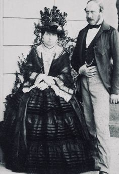 Queen Victoria and Prince Albert - both aged 40 Queen Victoria Prince Albert, Victoria And Albert, Princess Victoria, Royal Family History, British History, Princess Alice, Princess Beatrice, Royal Family Portrait, English Monarchs