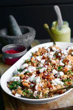 Sweet potato salad with yogurt dressing and honey goat cheese - Beaufood - Sweet potato salad with yogurt dressing and honey goat cheese. Discover the recip - Vegetarian Recipes Potluck, Veggie Recipes, Salad Recipes, Healthy Recipes, Yoghurt Dressing, Healthy Diners, Clean Eating, Healthy Eating, Salad With Sweet Potato