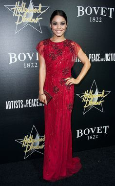Jenny Packham's scarlet gown was a bold choice for Vanessa.