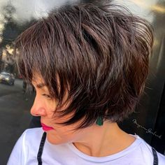 60 Short Shag Hairstyles That You Simply Can't Miss Short Feathered. - 60 Short Shag Hairstyles That You Simply Can't Miss Short Feathered Shag - Modern Shag Haircut, Short Hairstyles For Thick Hair, Short Hair With Layers, Short Hair Cuts For Women, Short Textured Hair, Wavy Layers, Layered Hairstyles, Feathered Hairstyles, Quick Hairstyles
