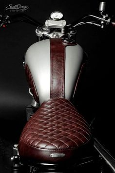 Leather Motorcycle Seat and Tank Accessories by South Garage.Rouge Leather Motorcycle Seat and Tank Accessories by South Garage. Triumph Scrambler, Cafe Racer Motorcycle, Triumph Cafe Racer, Motorcycle Leather, Triumph Bonneville, Triumph T120, Cafe Bike, Saddle Leather, Cool Motorcycles