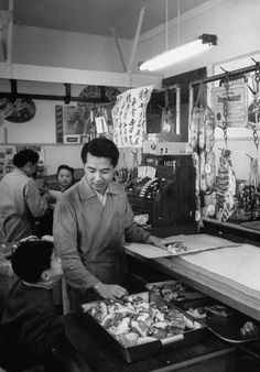 31 Beautiful Photos Of Life In San Francisco's Chinatown In The '50s
